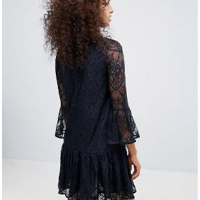 Ganni kjole. Str. M Aldrig brugt - 1599 kr for ny Lang ca 90 cm bryst ca 102 cm