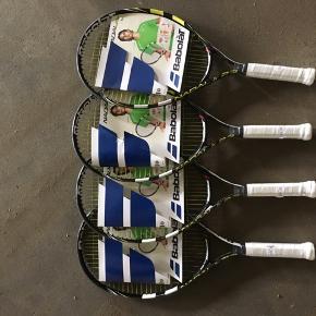 Fire styks tennisketchere. 150 kr. Stykket Ubrugte og stadig med prisskilt