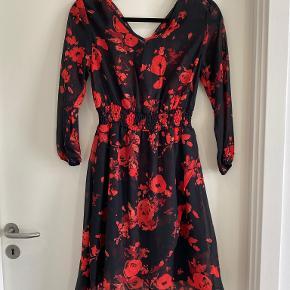 Ambar kjole