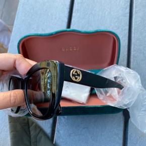 Gucci solbriller sælges  Desværre for store  Glasstørelse 52  Stængernes længde 140  StrM