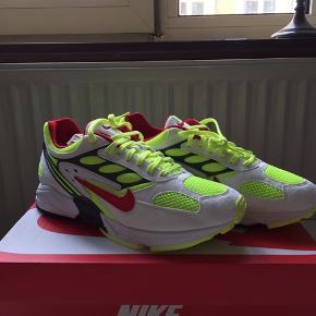 Nike Air Ghost Racer  Køb nu 600kr  Skriv gerne, hvis i har spørgsmål til sneakeren eller forslag til prisen :)