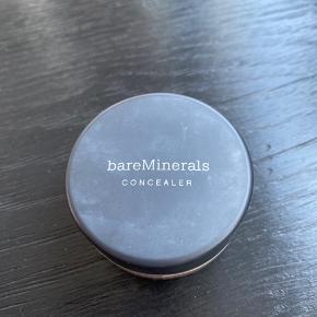 Helt ny og uåbnet concealer fra Bare Minerals i farven 'summer bisque'. Nypris: 340,-