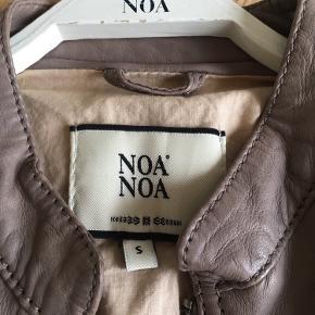 Noa Noa pels- & skindjakke