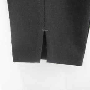 """Fede bukser, model: """"Angelie split"""" med små slidser. str. 29  GMB 100,-pp eller afhentes på Amager :)"""