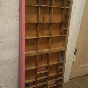 Sættekasse. malet lidt. fra ikke ryger hjem.  kan lev i kbh, fanø eller skærbæk v. kolding. L 82,5 B 36,5 D uden kant 3.5