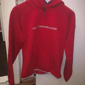 Rigtig fin trøje ved navn peak performance i str large. Sælges grundet vægttab.