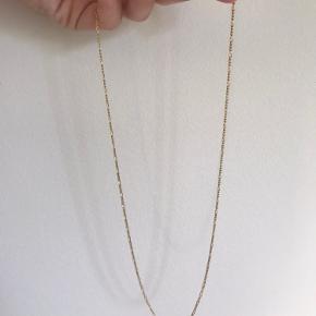 Figaros halskæde fra Maanesten. Halskæden er 55 cm og i Sterlingsølv belagt med 18 karat guld.  Skriv for mere info eller flere billeder :)