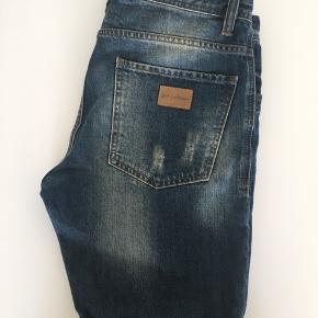 Just junki shorts. Næsten aldrigt brugt. Str. 32. Køber betaler fragt.