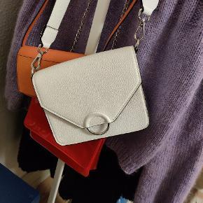 Sælger denne fine taske fra H&M. Kom gerne med et bud 😊👍
