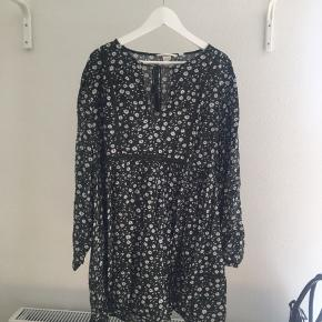 Let og sød kjole perfekt til sommer! 🌞🌞