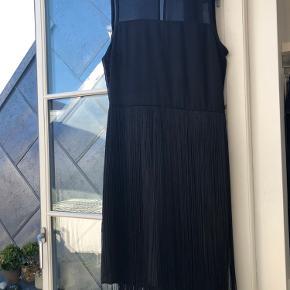 Sort kjole fra Inwear brugt en enkelt gang sidste nytår.