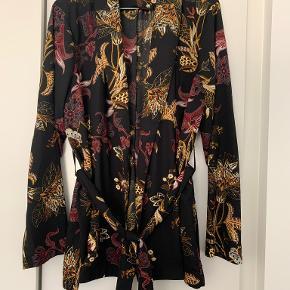 2-Biz kimono