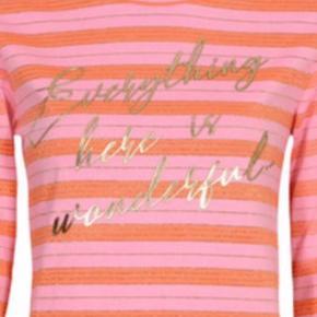 Gustav Bluse  Power Pink  Super lækker t shirt med lange ærmer. Fået i gave, ikke lige min stil
