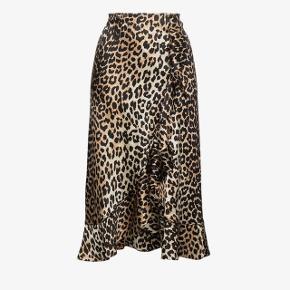 Sælger min Ganni nederdel som er fuldstændig ubrugt.