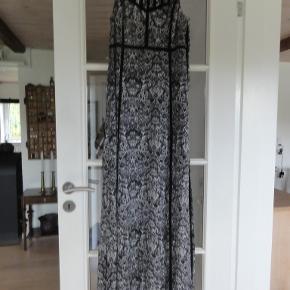 IRO kjole str 38 brugt ganske lidt