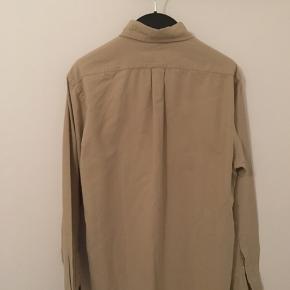 Flot skjorte fra Ralph Lauren. Sælges kun, da den er lidt for lille.