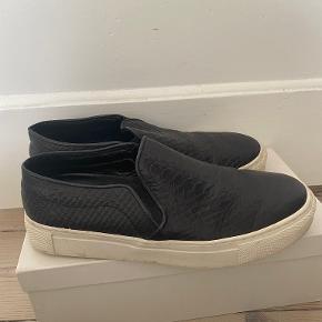 Silverblack sneakers
