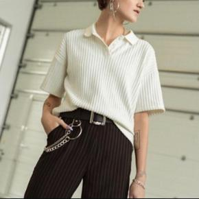 Kvinder, Næsten som ny - Sælger dennne skjorte fra Astrid Olsens kollektion Str s Beige. Kvinder, . Næsten som ny, Brugt og vasket et par gange men uden mærker eller skader