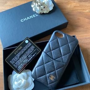 Chanel cover. Nypris 4400,- til iPhone 7. God men brugt og alm tegn på brug.