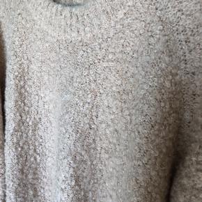Smuk mohair strik bluse fra bzr / Bruuns bazaar. Brugt en gang.