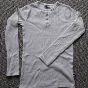 Pompdelux trøje  Langærmet T-shirt  Str 146-152 Hvid Næsten som ny- brugt 2-3 gange  Fra røgfrit og dyrefrit hjem