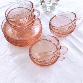 Franske vintagekopper fra Arcoroc Rosaline pink swirl mokkakopper(Ø7) 100,- pr kop