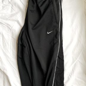 Vintage Nike sweatpants   Sælger alt tøj billigt, da jeg bare skal af med det