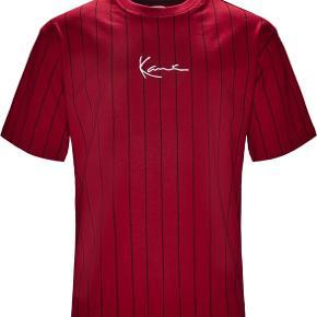 Helt ny Karl Kani t-shirt. Sælges da den er for stor til mig.