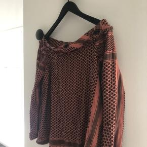 Cute top from Cecilie Copenhagen. Only used a couple of times🙏🏼 size 2
