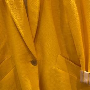 Super lækker oversize blazer/ jakke - perfekt til foråret 🌞🌞