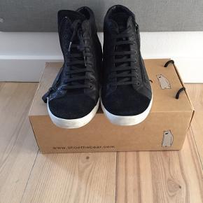 Velholdt støvlet fra Shoe the Bear med lynlås i siden Førpris 900kr BYD