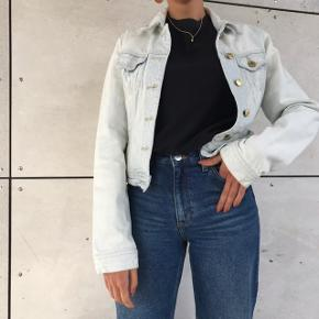 Super fin lys denim jakke 🌸💖 go stand