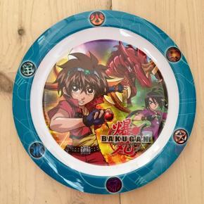 Bakugan Battle Brawlers tallerken i melamin / melanin fra Trudeau Ø 22 cm Højde 1 cm  Tåler opvaskemaskine, men ikke microovn