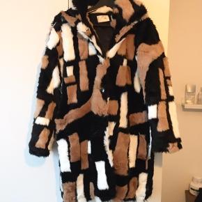 Hosbjerg pels- & skindjakke