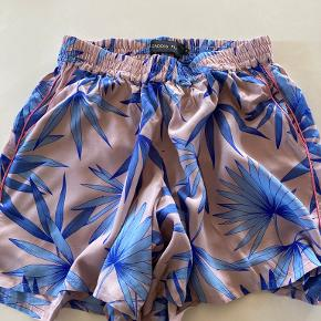 Caddies Fly shorts