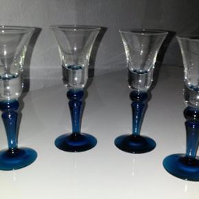 4 stk. Holmegaard blå klokke snapseglas h 12,6 cm - sælges kun samlet - mindstepris 300 kr.
