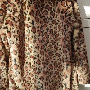 Varetype: Leopard Frakke Farve: Leopard Oprindelig købspris: 1600 kr.  null