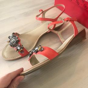 Guess sandaler