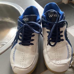 Yonex Sneakers