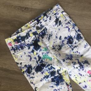 Calvin Klein jeans i ekslusivt design, hvis man tør skille sig lidt ud😉😍