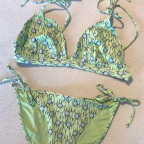 Fineste bikini fra & other stories. Top str. M og bund str. s🌿
