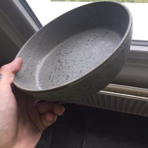 Grå skål (suppeskål) fra bitz Næsten ikke brugt