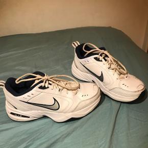 Nike MonarchCond 8-10 Sælges eller byttes til str. 39 Brugt få gange Afhentes eller mødes