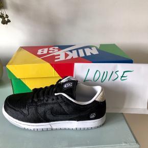 Total hyped sneaker Dunk Low Bearbrick Medicom (vundet i raffle)