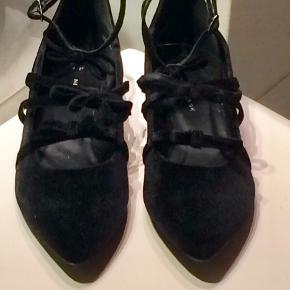 De er sorte og aldrig brugt.