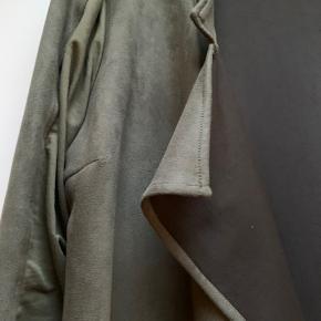 Smuk cardigan / jakke i den fedeste armyfarvet farve  #30dayssellout