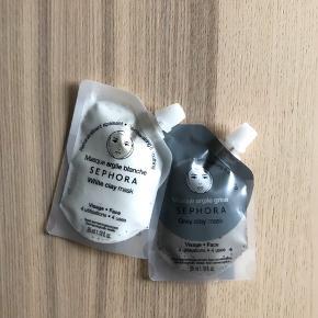 Helt nye lermasker med naturligt ler fra Sephora. Aldrig brugt! Sælges kun samlet.  - Den hvide ler og kamilleekstrakt maske giver mineraler til huden og dulmer den. - Den grå ler og geraniumekstrakt maske afbalancerer huden og gør den mat.  NP pr. stk. 60 kr.  Sephoras vejledning ⬇️ 1. Applicer på ren og tør hud (enten hele ansigtet eller multimaske-zoner). 2. Lad den sidde i 15 minutter. Den tørrer ikke helt. 3. Rens godt med lunkent vand.
