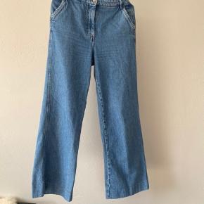 Sælger disse super fede jeans fra hm, da jeg ikke rigtigt har fået dem brugt:)  Byd gerne