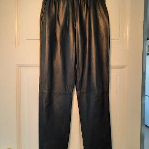 Raiine bukser