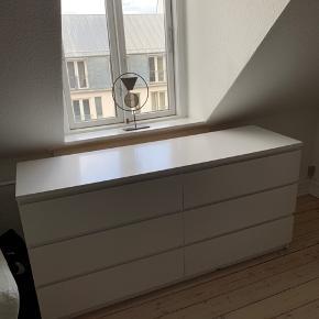 Kommode fra IKEA.  Dybde: 48 Bredde: 160 Højde: 77